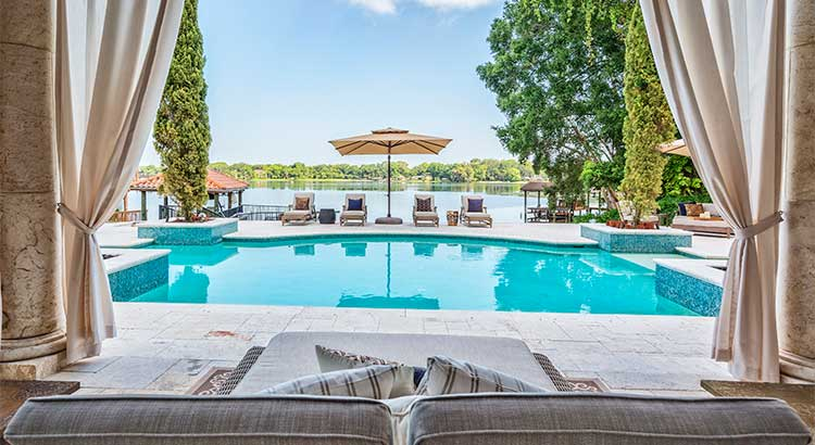 Dreaming of a Luxury Home? Now's the Time! | Simplifying The Market